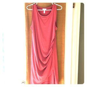 Sleeveless, stretchy knit dress. Comfy!